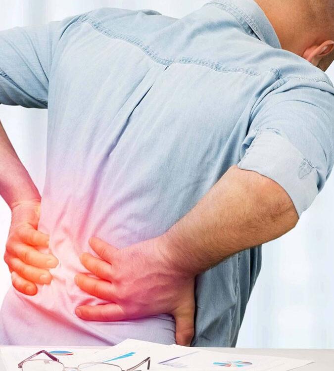 В кабинета по неврохирургия в МЦ Гея Мед се извършва ефективния метод за болки в гърба-паравертебрална блокада