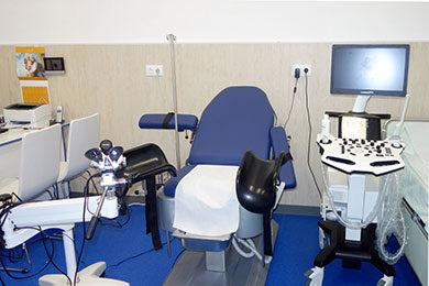 Кабинетите в Медицински център Гея Мед са оборудвани с нова и съвременна медицинска апаратура за диагностика и лечение